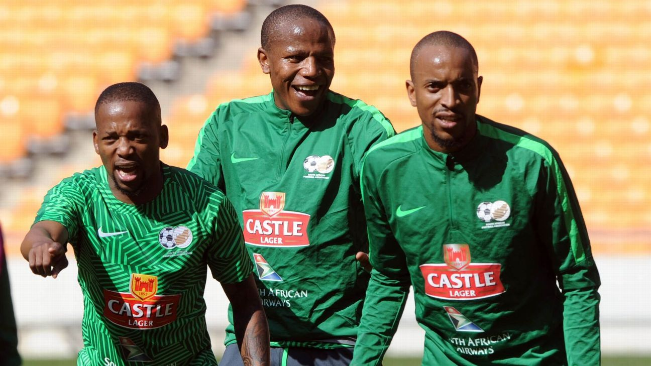 (From left): Aubrey Ngoma, Lebogang Manyama and Tiyani Mabunda during South Africa training