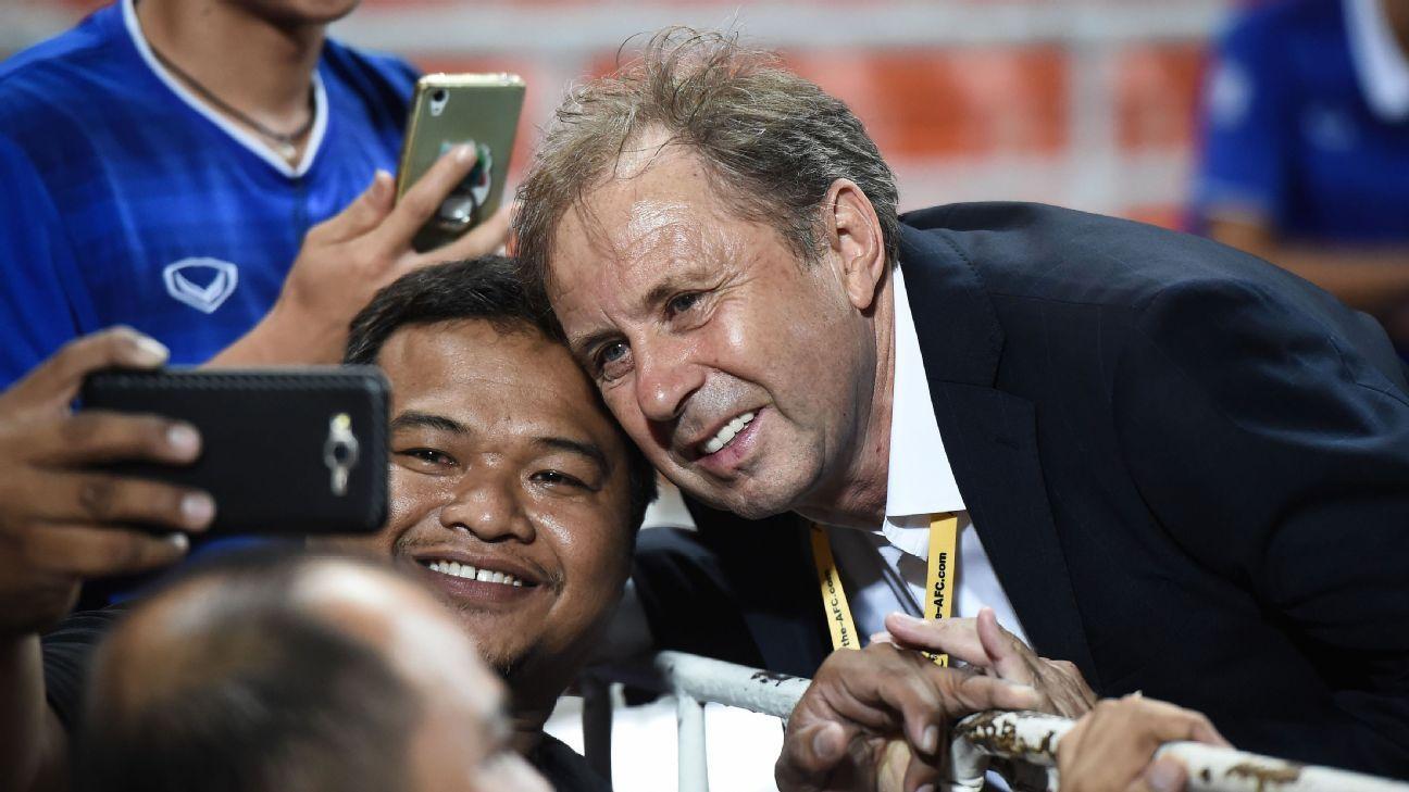 Thailand national coach Milovan Rajevac with fan