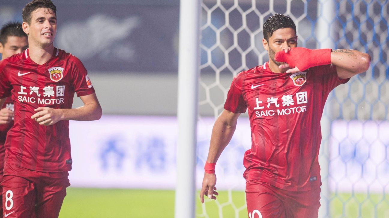 Hulk celebrates his goal for Shanghai SIPG in their Chinese Super League draw against Guangzhou Fuli.