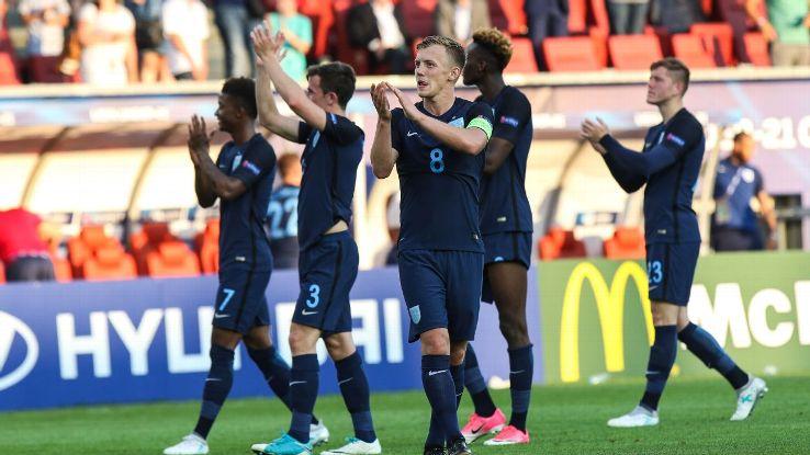 England Clap after Slovakia 170619