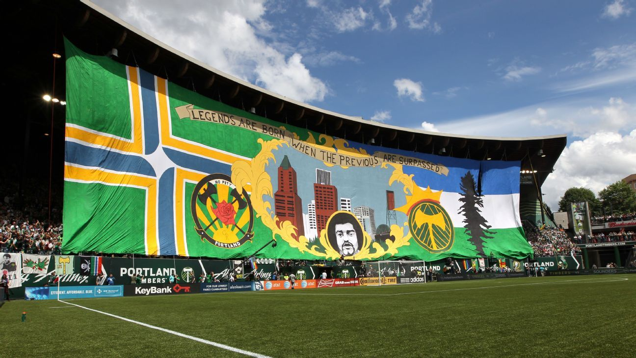 Portland legends tifo