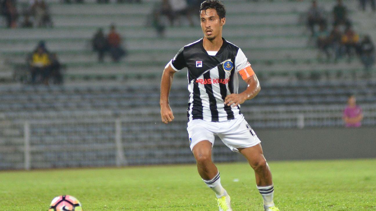 Pahang captain Matt Davies in 2017 Malaysia Cup