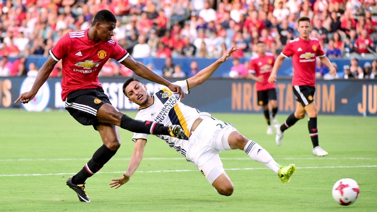 Rashford off to strong start in competition for Man United role