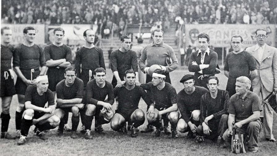El equipo de Barcelona que disputó varios partidos en México y Estados Unidos se tomó la foto previo a uno de los encuentros.