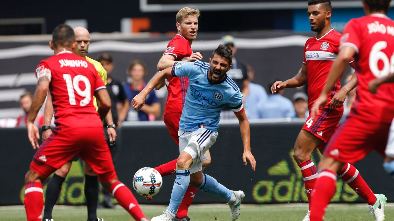 NYCFC beats Chicago Fire with 10 men; Galaxy lose fifth straight