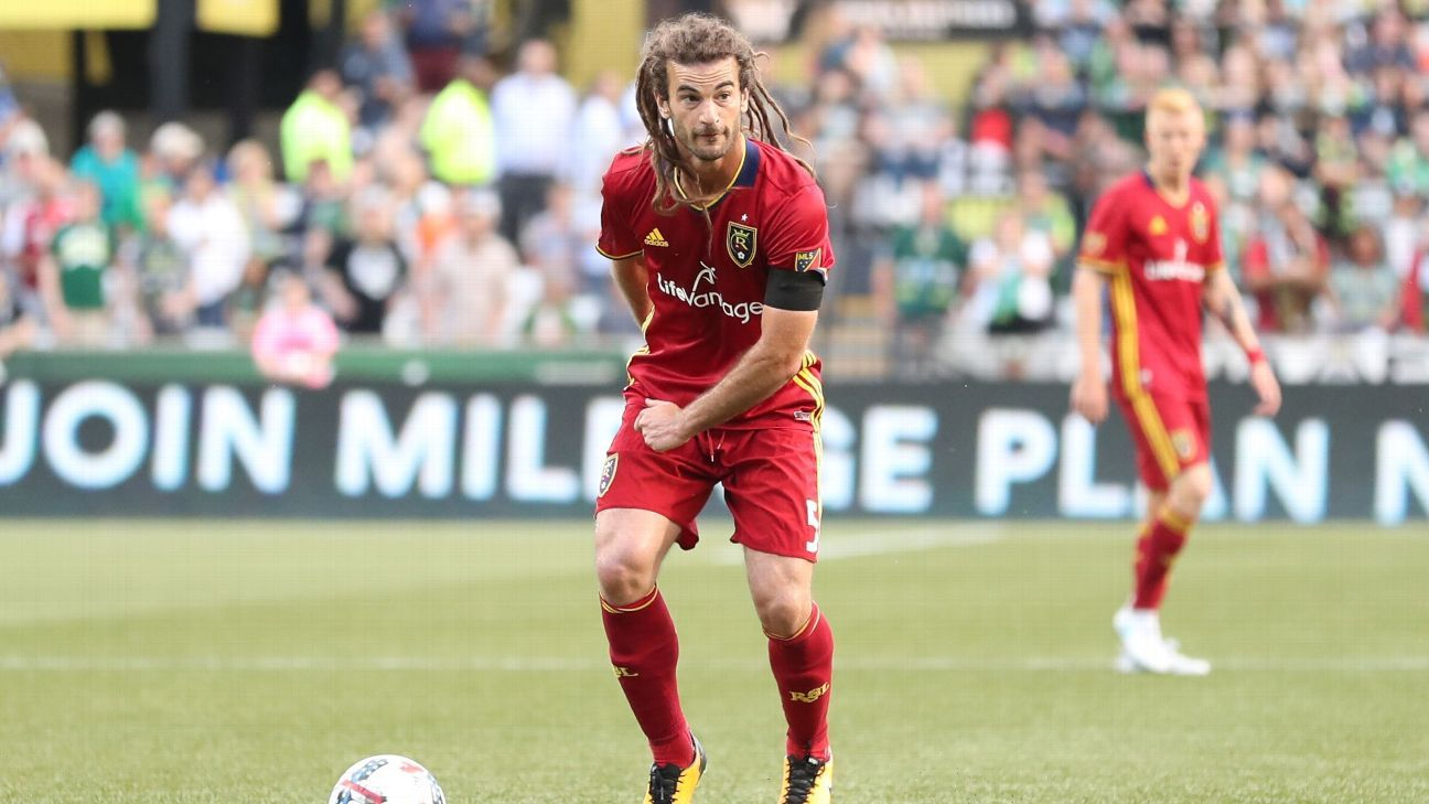 Kyle Beckerman signs new contract to stay with Real Salt Lake