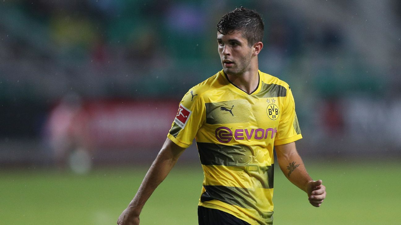 Christian Pulisic in action for Borussia Dortmund against AC Milan in the International Champions Cup in July 2017.