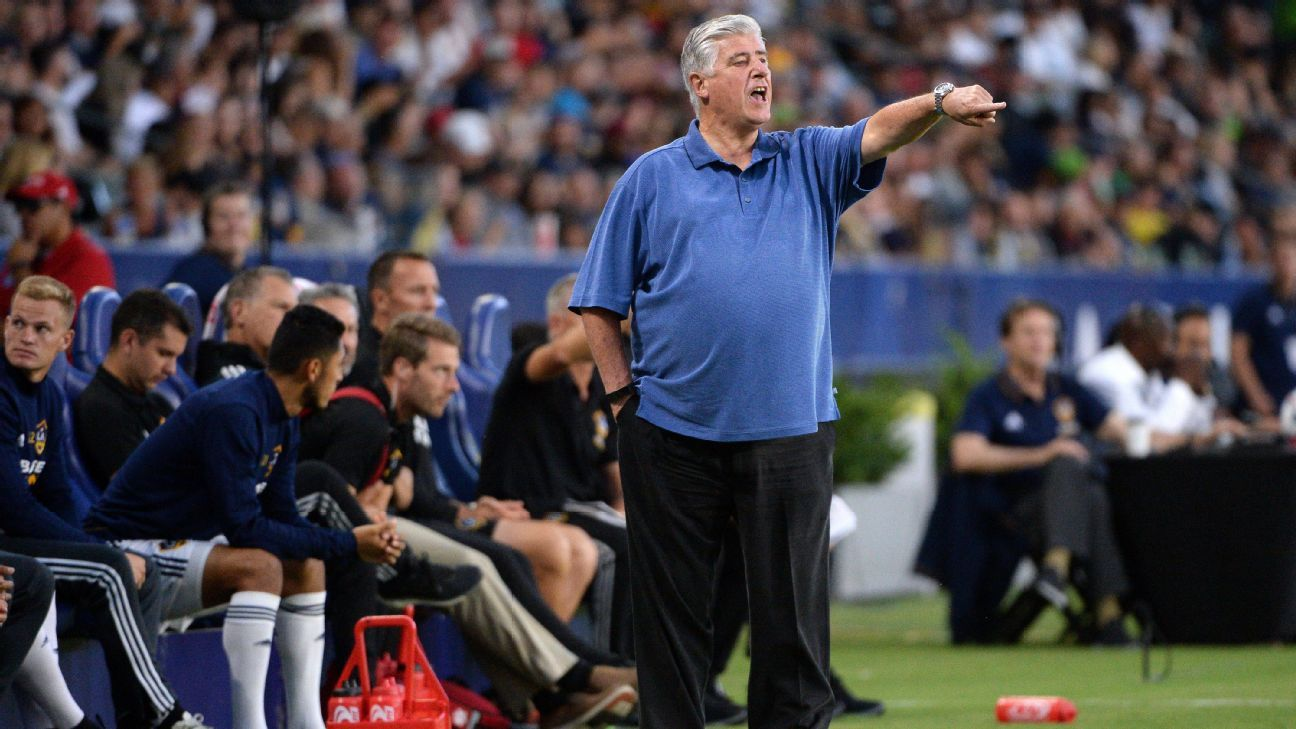 Sigi Schmid with LA Galaxy 170729