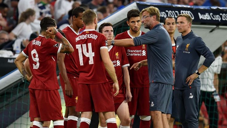 Klopp talks to players vs Atleti 170802