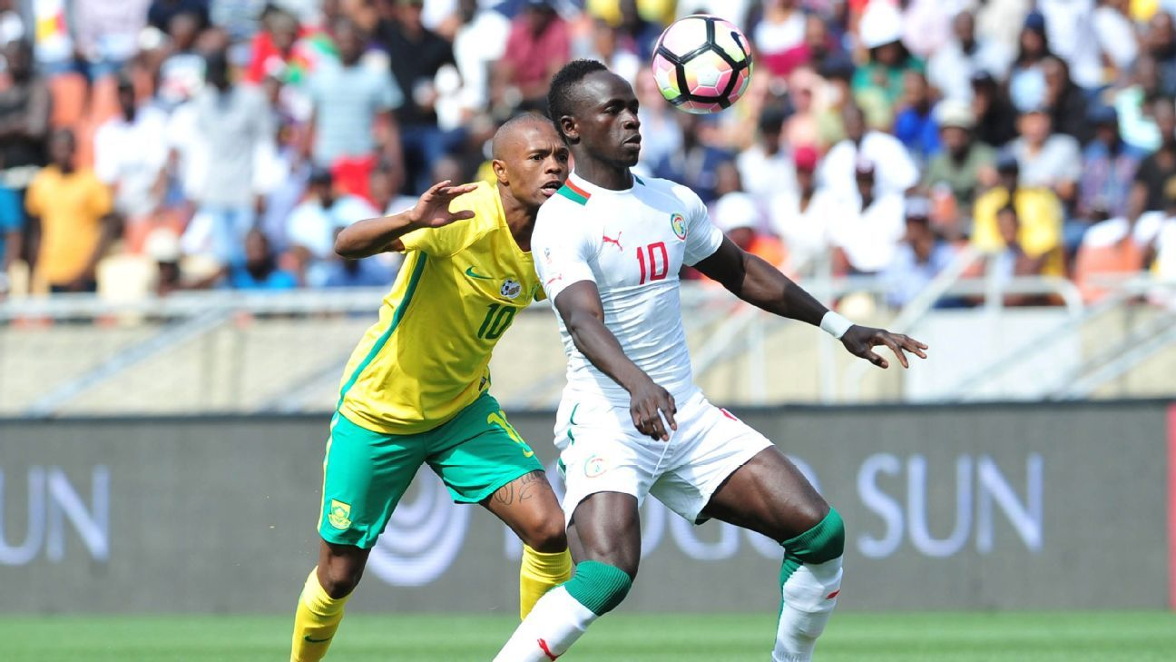 Thulani Serero of South Africa, Senegal's Sadio Mane