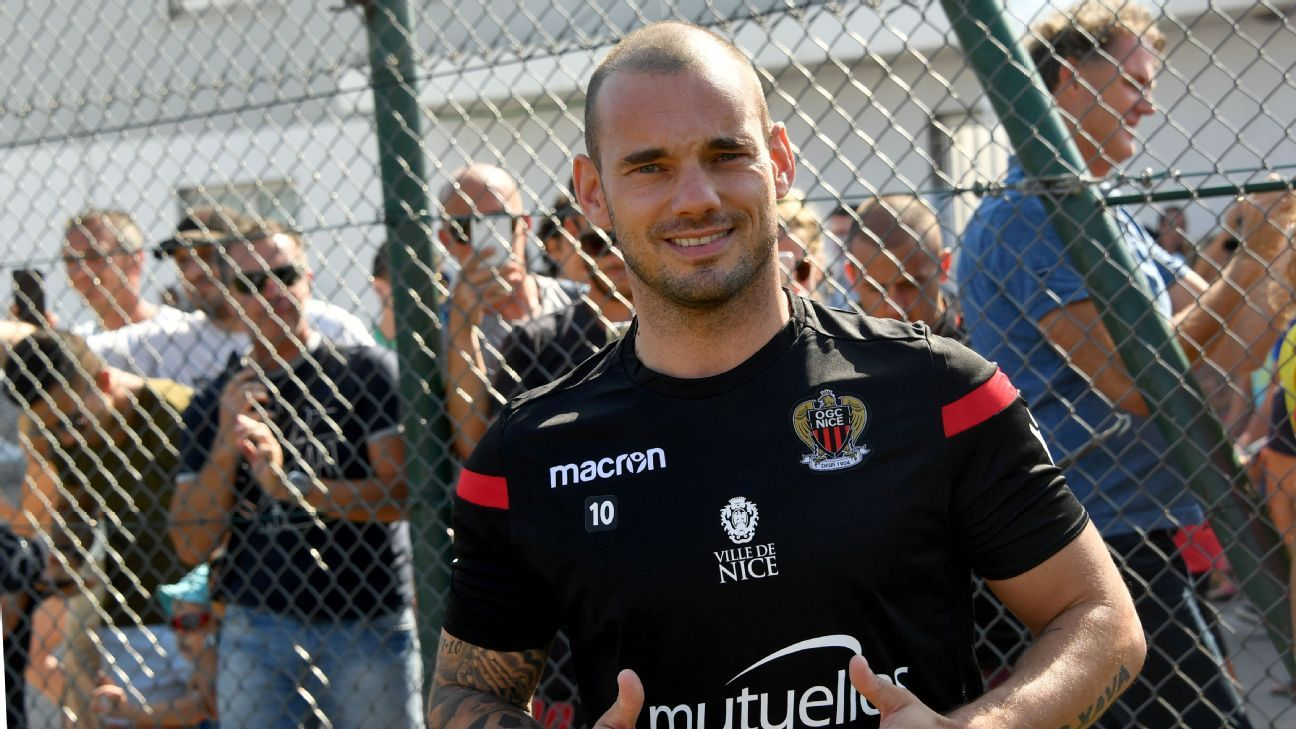 Wesley Sneijder joined Nice on a free transfer.
