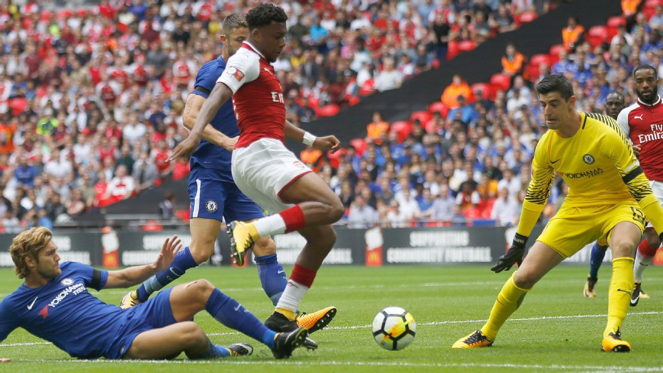 Alex Iwobi of Arsenal vs. Chelsea
