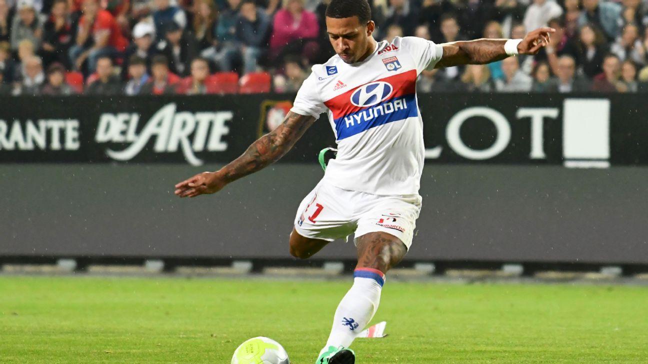 Depay goal Lyon vs Rennes 170811