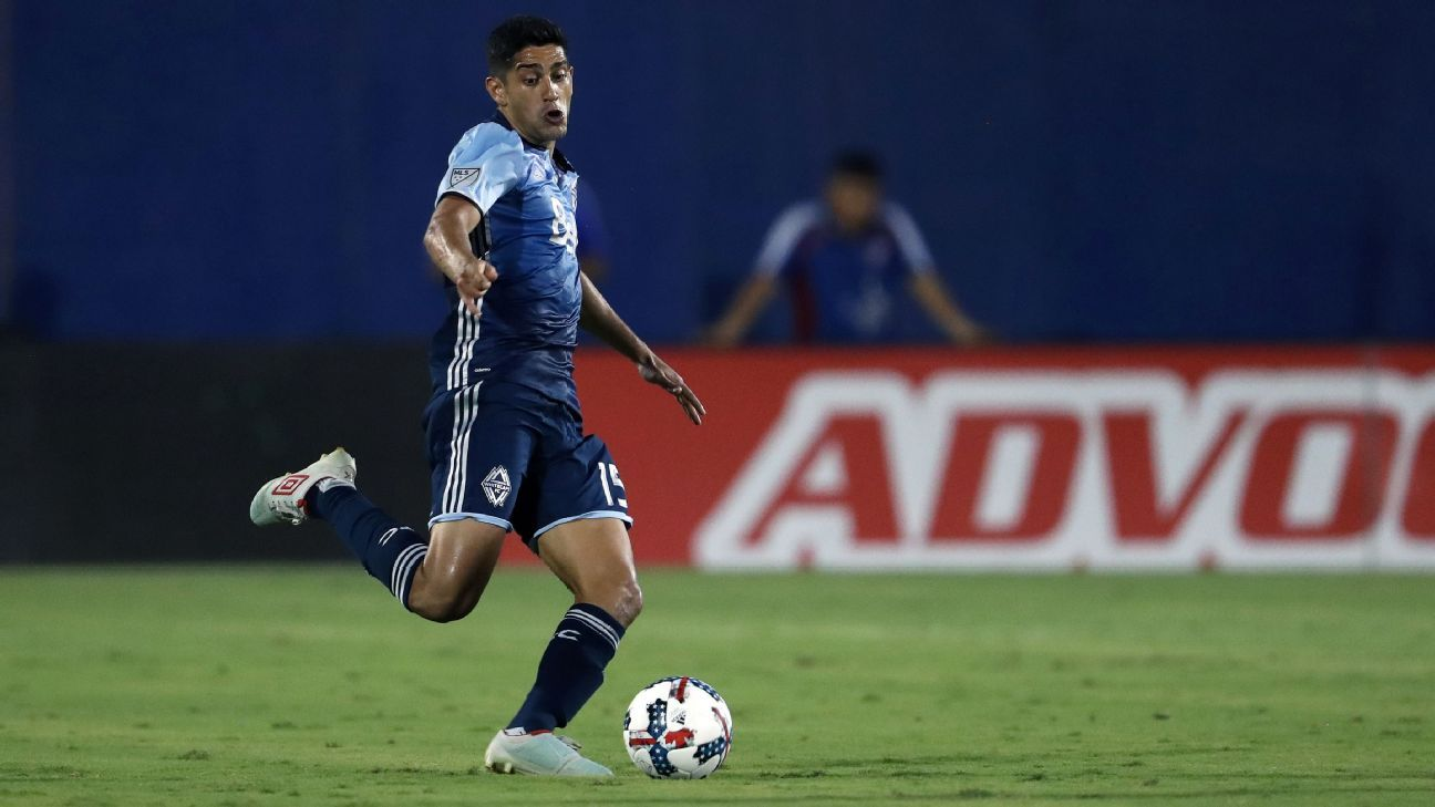 Vancouver Whitecaps key midfielder Matias Laba suffers torn ACL in knee