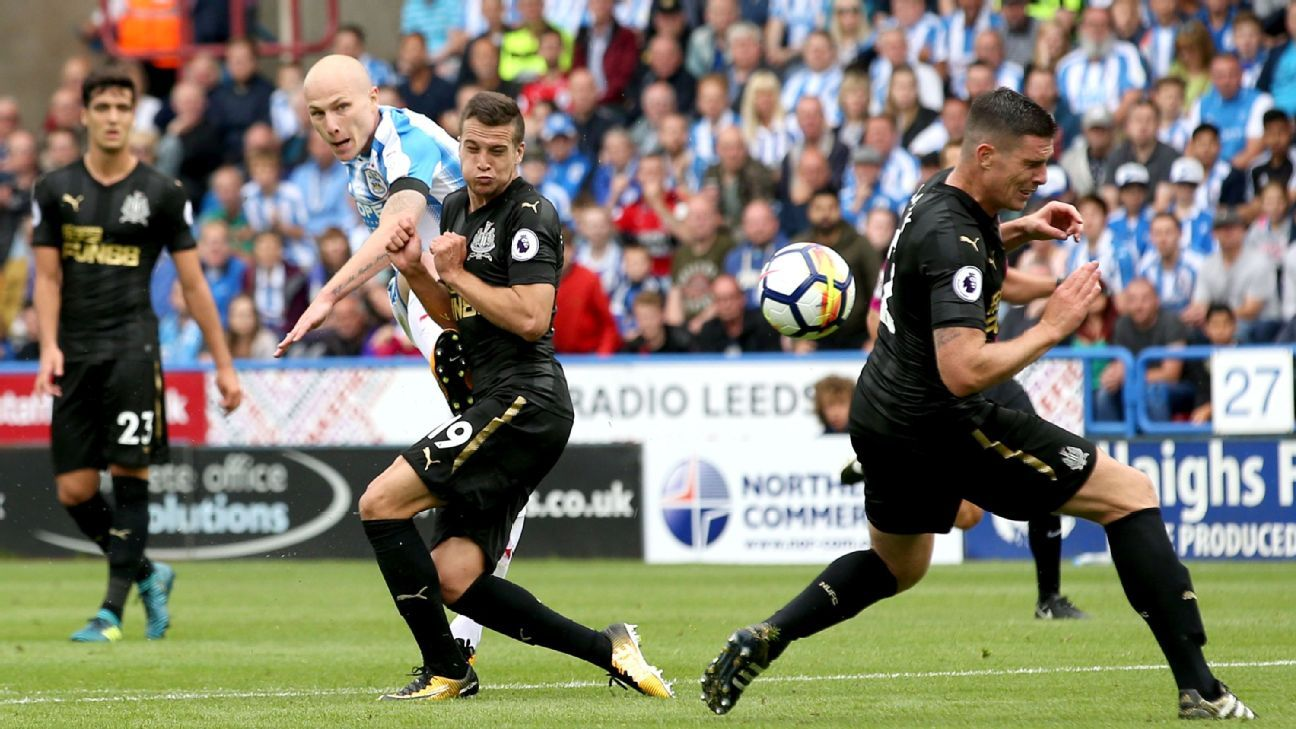 Aaron Mooy produced an excellent strike for Huddersfield.