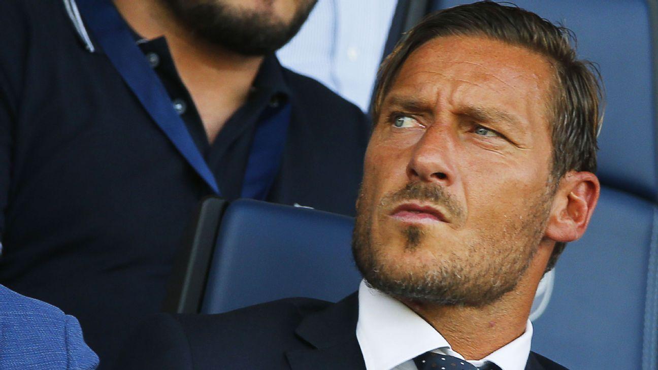 Roma director Francesco Totti backs Napoli to lift Serie A title