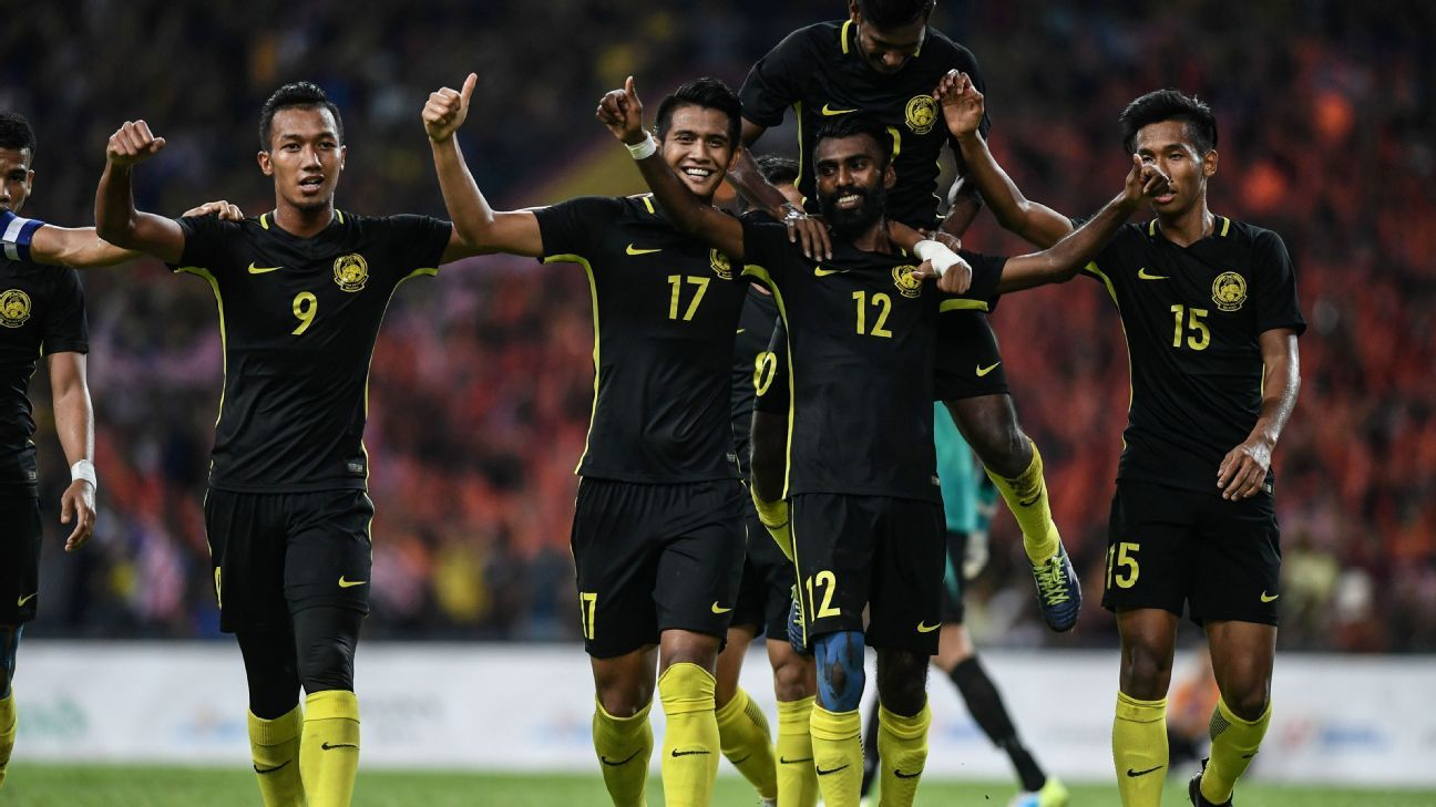 Malaysia celebrate SEA Games goal vs. Myanmar