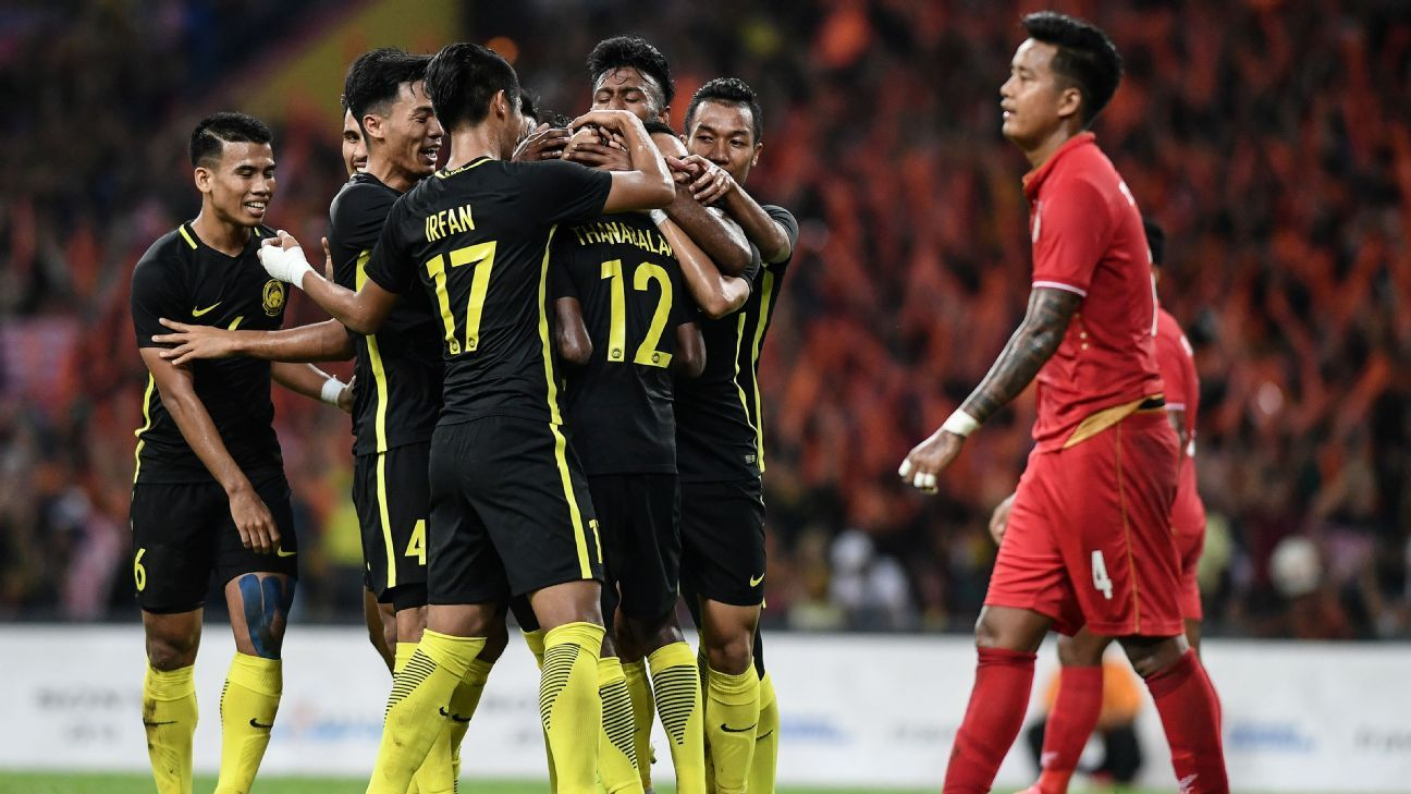 Malaysia celebrate goal in 2017 SEA Games