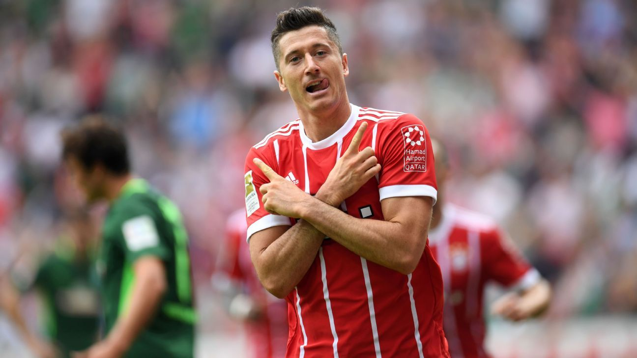 Robert Lewandowski celebrates his first goal