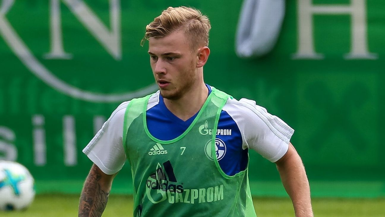 Schalke s Max Meyer is studying from PSG midfield star Marco