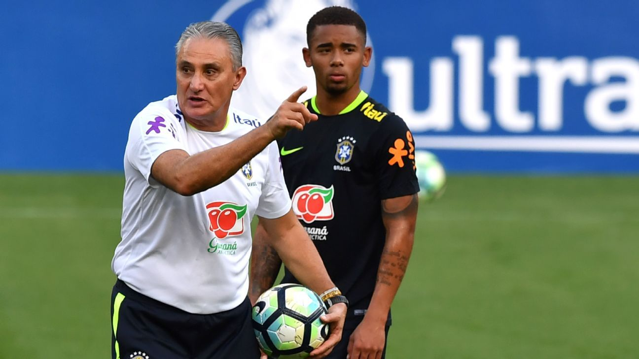 Tite Gabriel Jesus at training