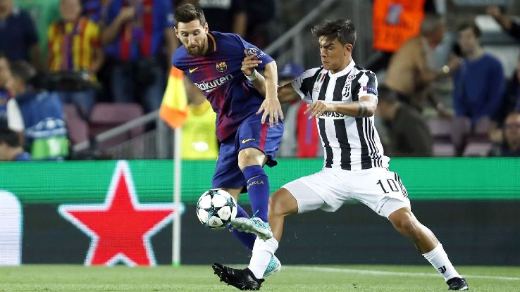 (L-R) Lionel Messi of FC Barcelona, Paulo Dybala of Juventus FC during the UEFA Champions League group D match between FC Barcelona and Juventus FC  on September 12, 2017  at the Camp Nou stadium in Barcelona, Spain
