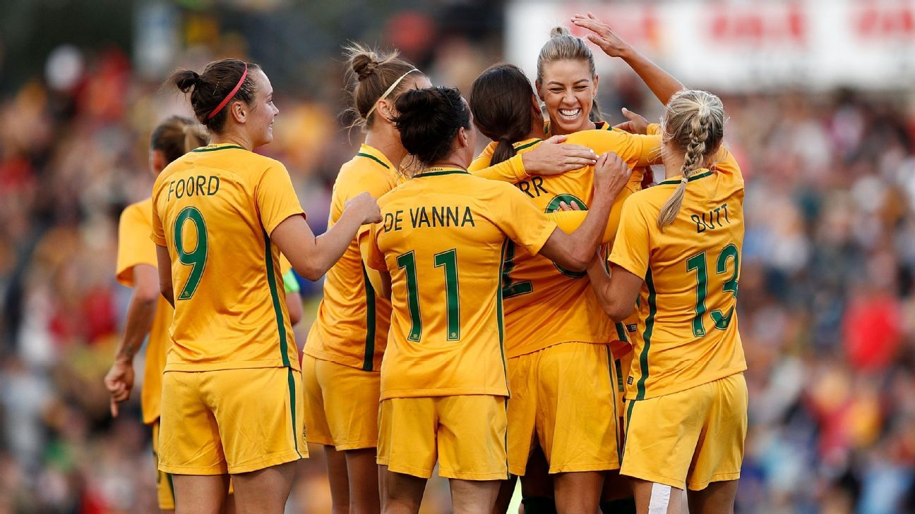 The Matildas celebrate Samantha Kerr's goal.