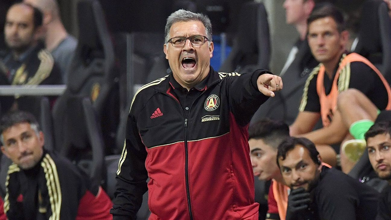 Atlanta United boss Tata Martino superstitiously makes journalist move