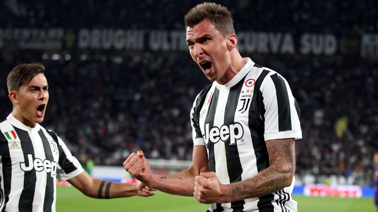 Mario Mandzukic celebrates his goal against Fiorentina.