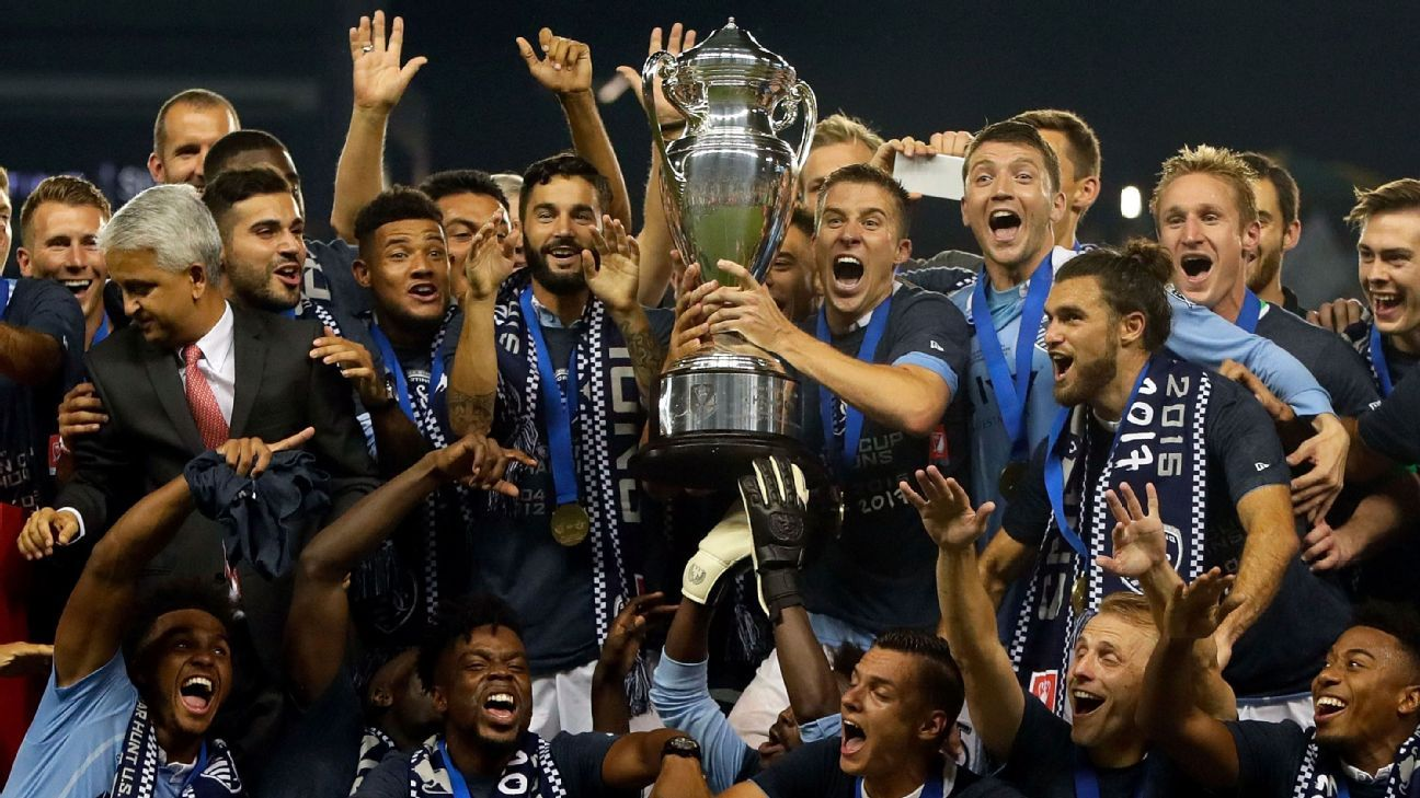 Sporting KC USOC trophy celeb 170920