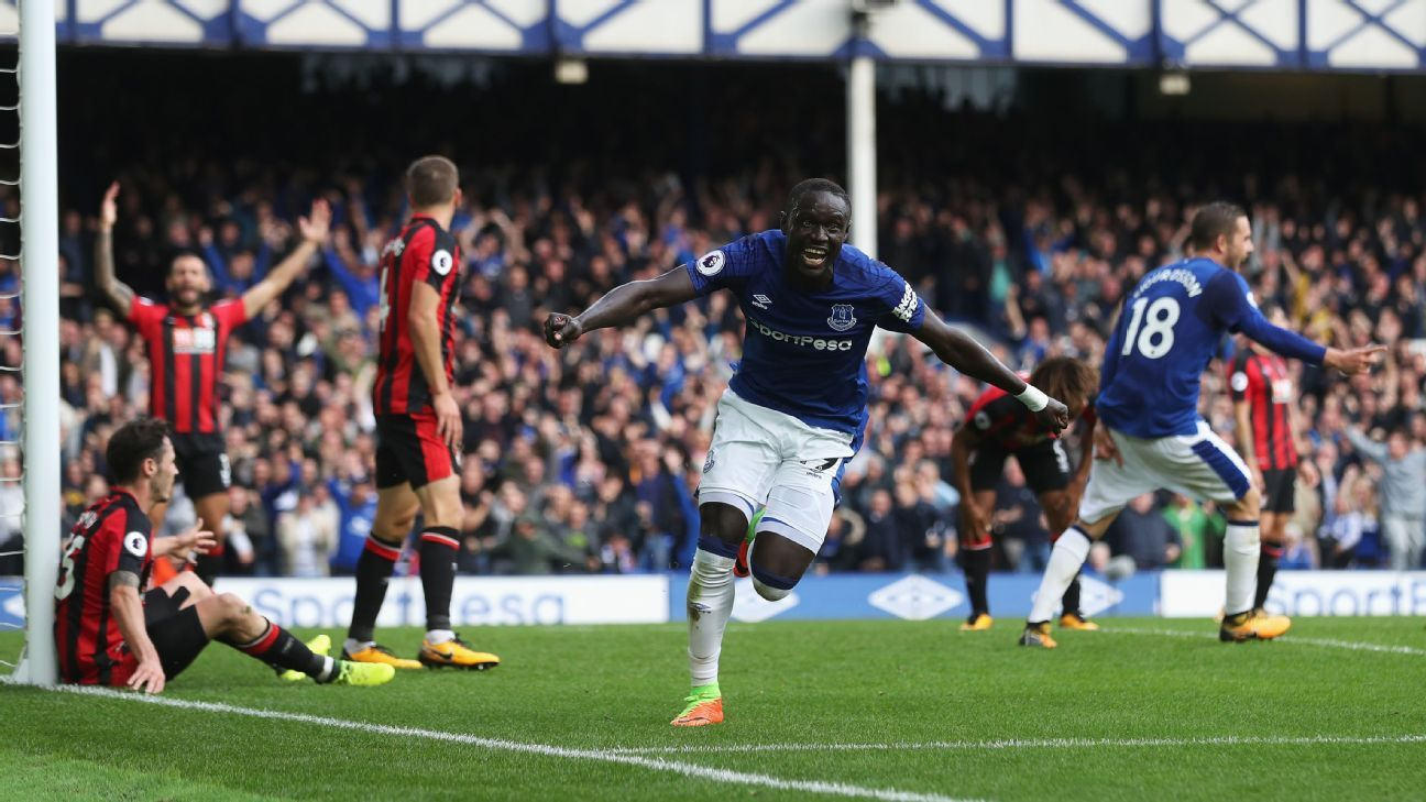 Oumar Niasse celebrates his second goal for Everton in their Premier League win against Bournemouth.