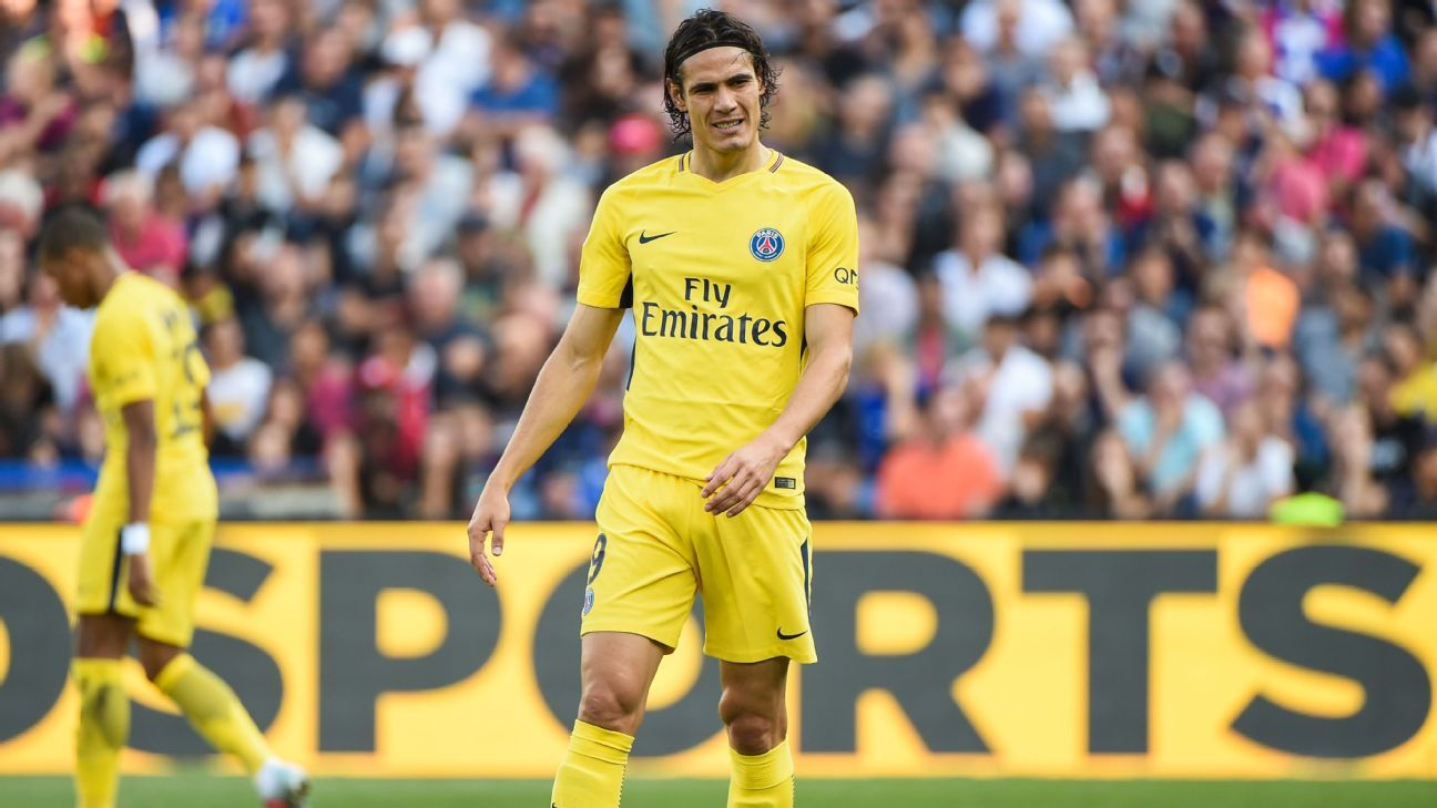 Edinson Cavani during Paris Saint-Germain's Ligue 1 game against Montpellier.