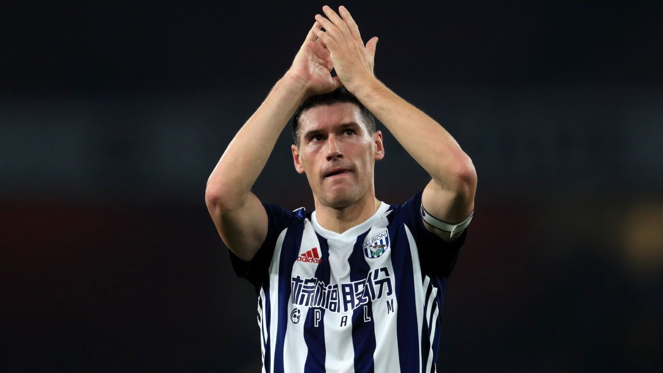 Gareth Barry eclipses Ryan Giggs' Premier League appearance record