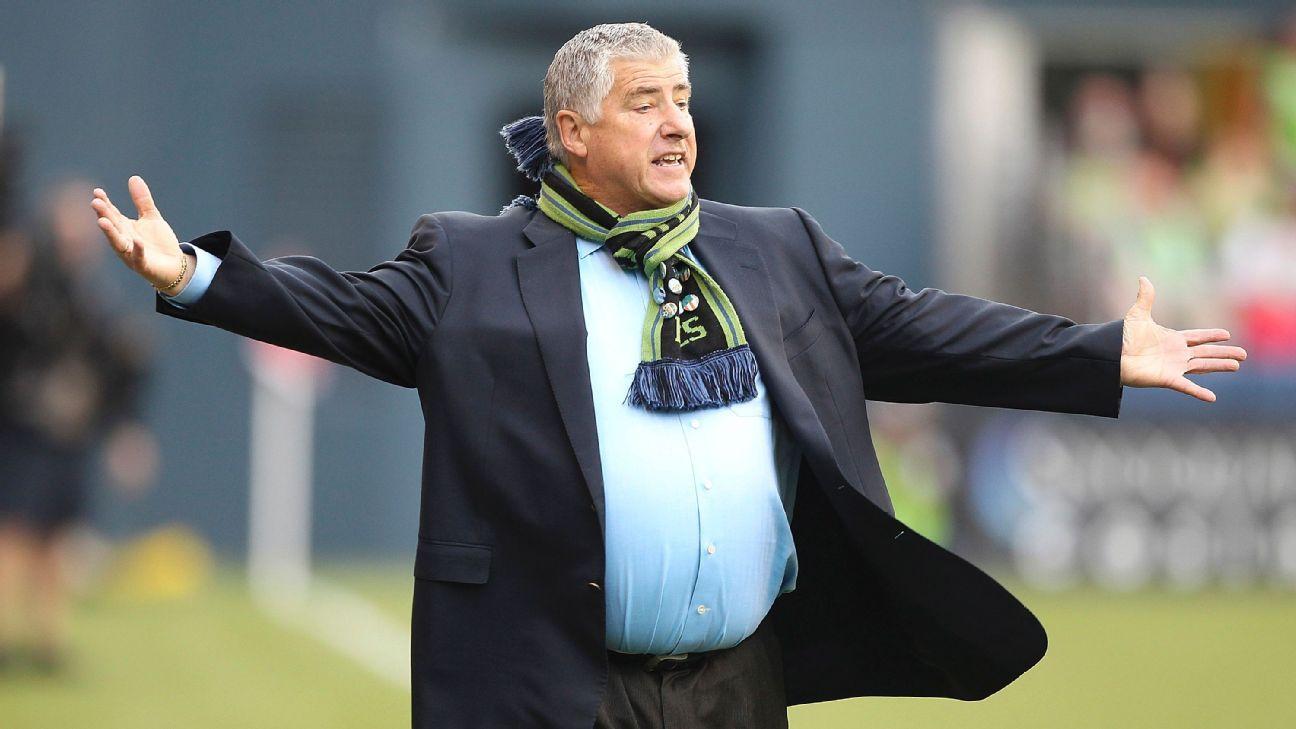 MLS fines LA Galaxy's Sigi Schmid, David Bingham for criticizing refs