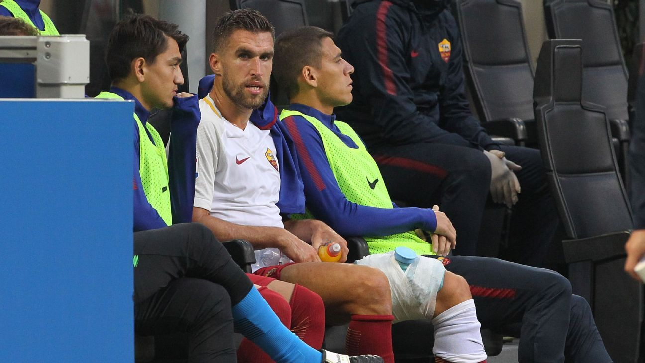 Kevin Strootman bench
