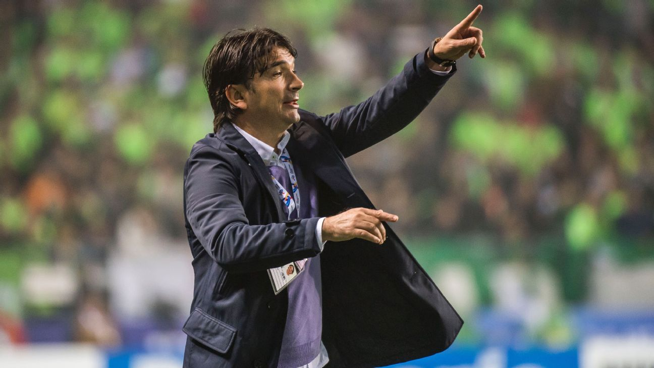 Zlatko Dalic during his spell in charge of Al Ain.