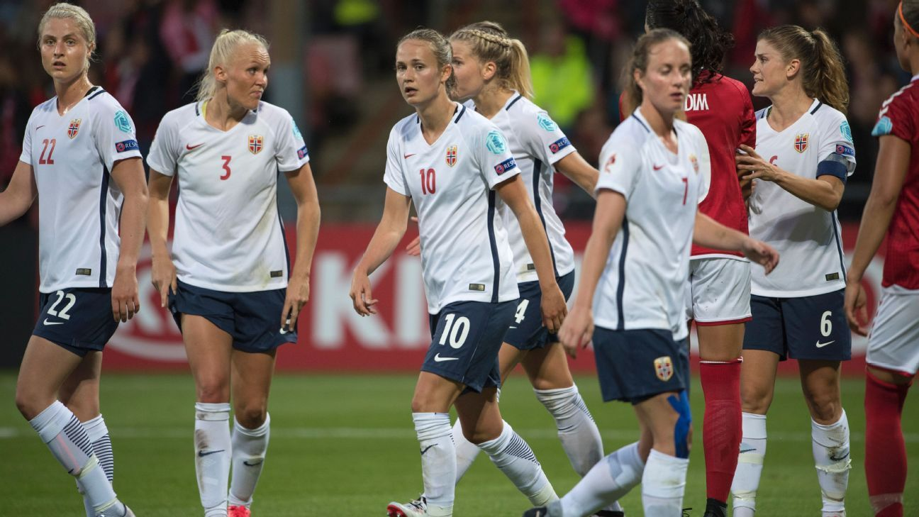 Ingrid Marie Spord, Maria Thorisdottir, Caroline Graham Hansen, Ada Hegerberg, Ingrid Schjelderup, Maren Mjelde in action for Norway during the 2017 European Championship.