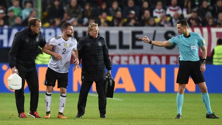 Mustafi injury with Germany 171008