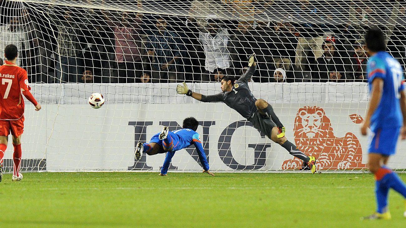 Sunil Chhetri scores against Bahrain during the 2011 Asian Cup.