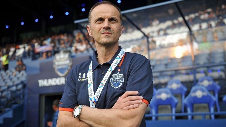 Buriram United head coach Božidar Bandović