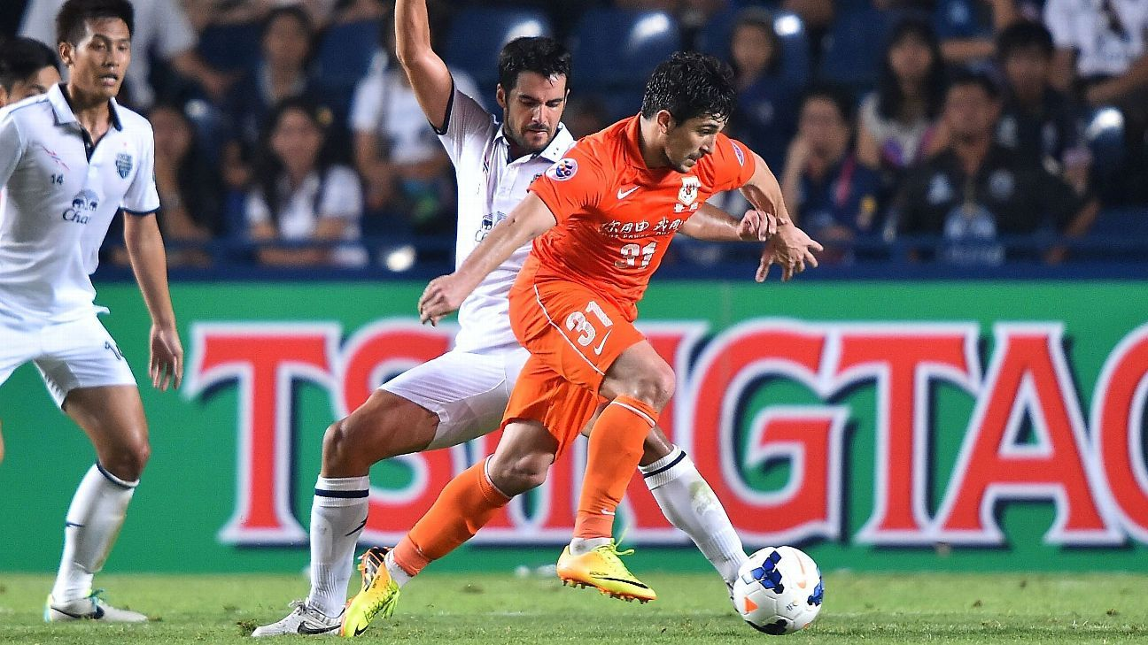 Buriram United defender David Rochela
