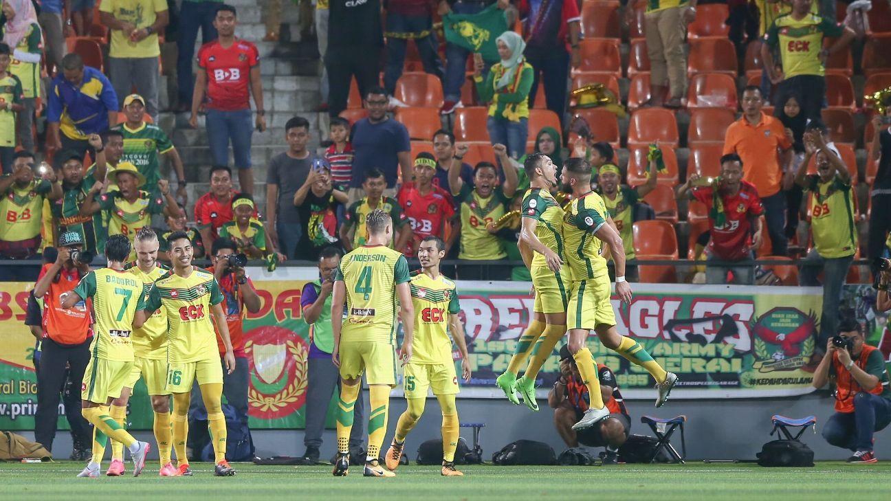 Kedah celebrate Malaysia Cup SF goal vs. Felda