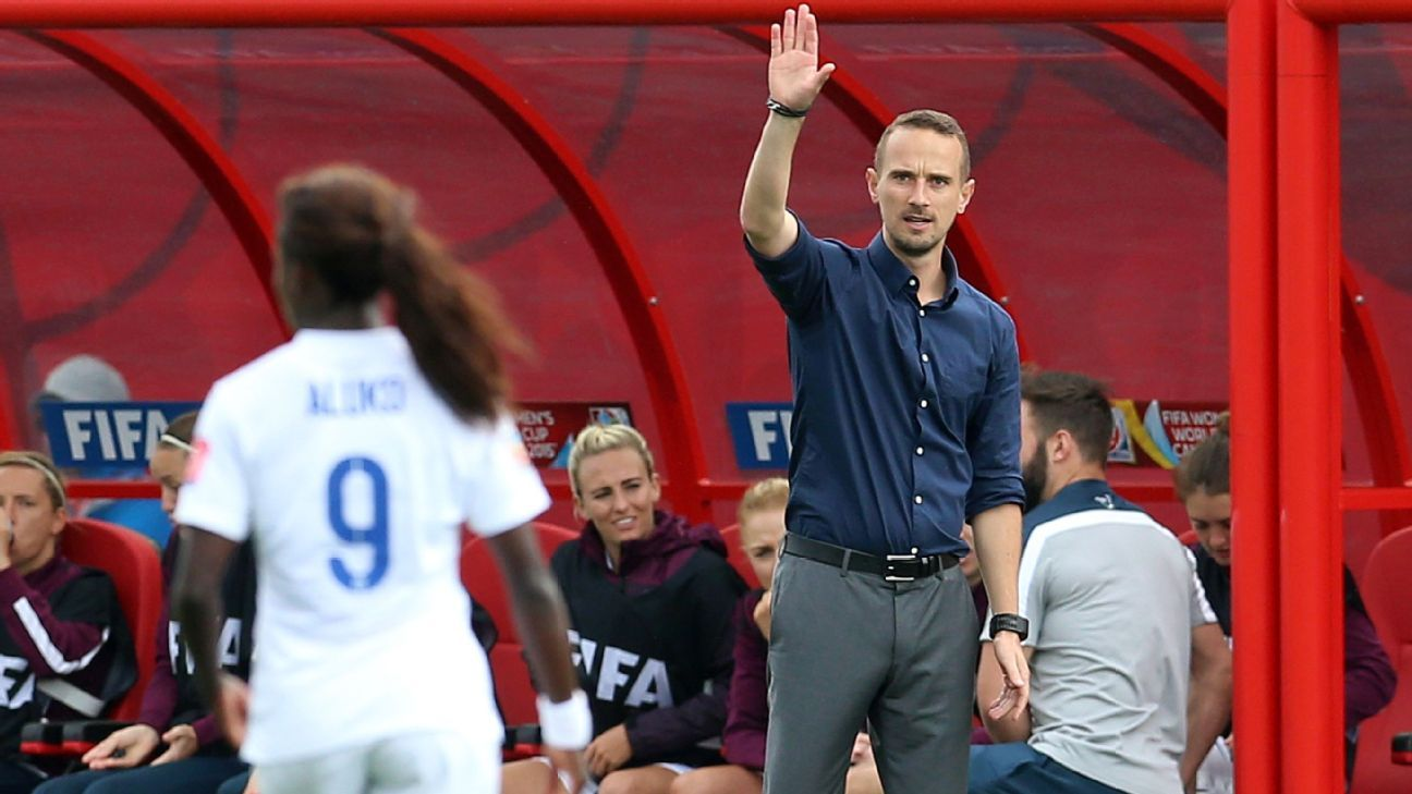 England women's coach Mark Sampson gestures to Eni Aluko during 2015 World Cup match