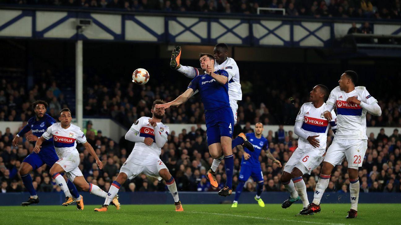 Keane Everton action vs Lyon 171019
