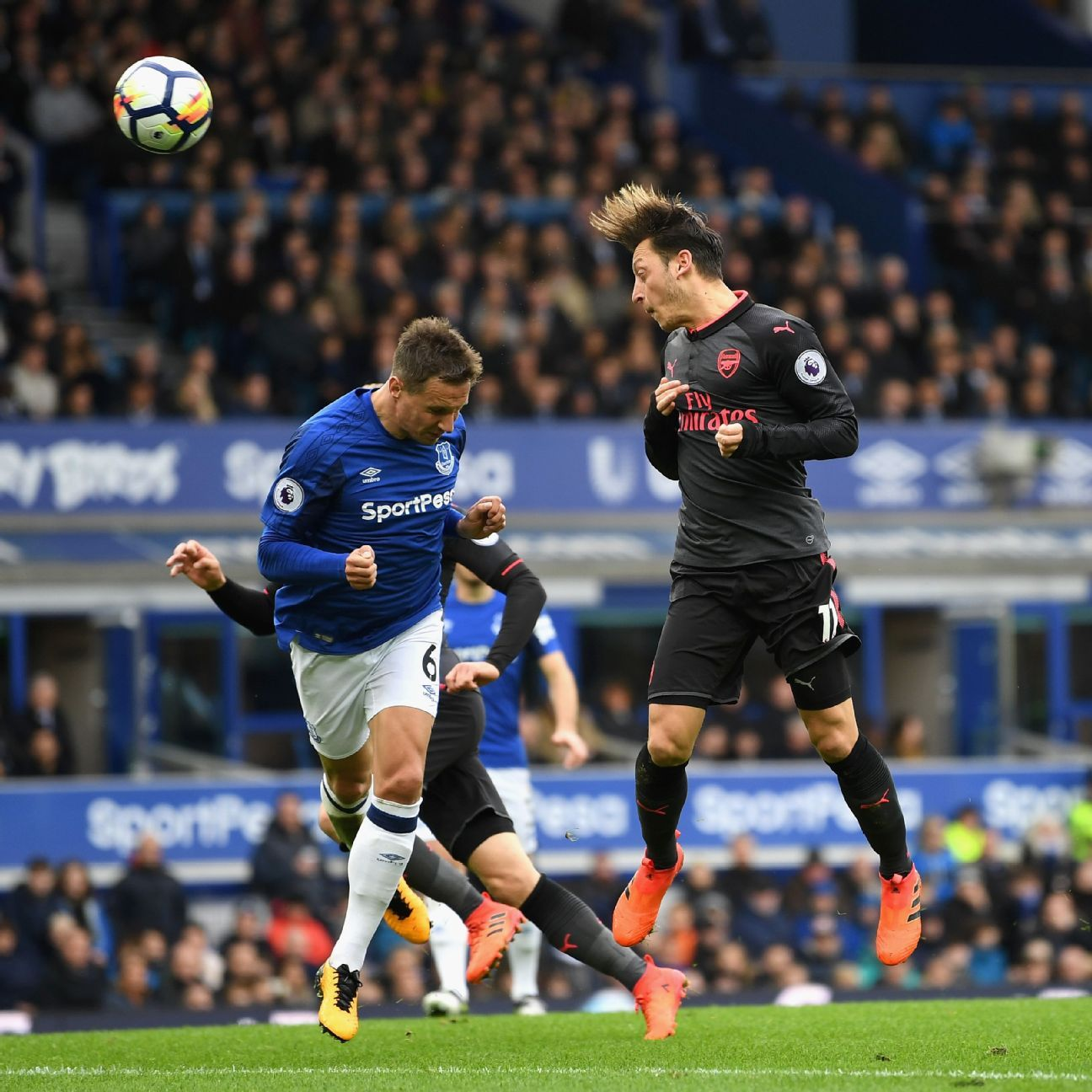 Mesut Ozil goal v Everton 20171022