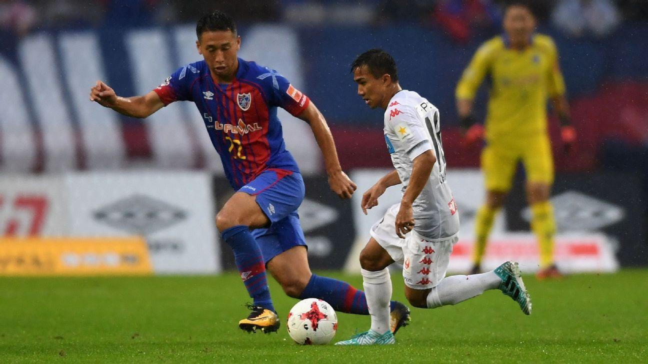 Chanathip Songkrasin of Consadole Sappporo vs. FC Tokyo