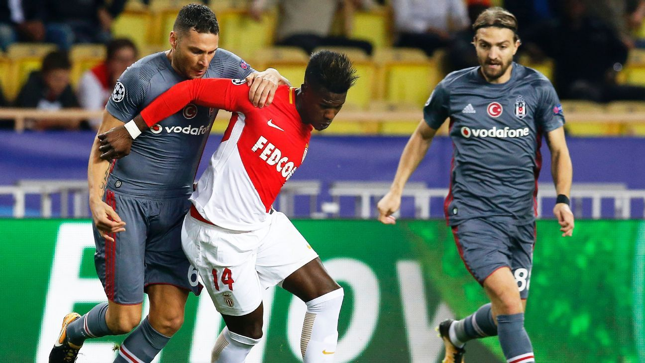 Keita Balde of Monaco, Dusko Tosic of Besiktas
