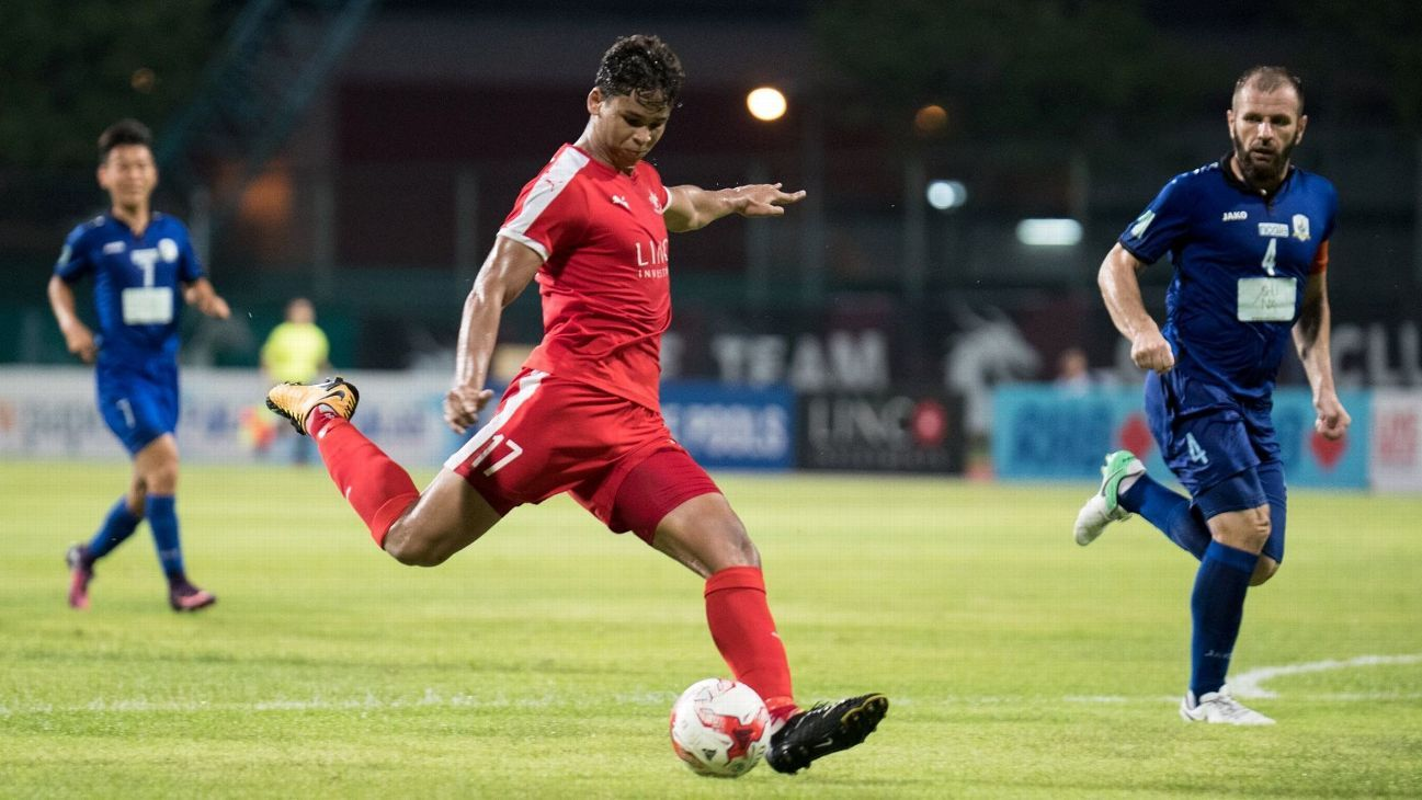 Irfan Fandi vs. Mustafic Fahrudin in S.League