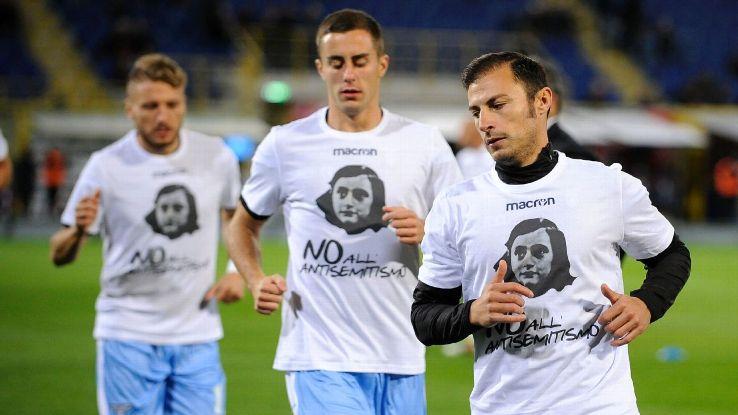 Lazio players wearing 'No to anti-Semitism' t-shirts