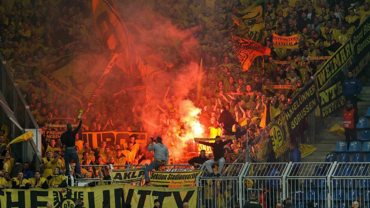 Borussia Dortmund flares